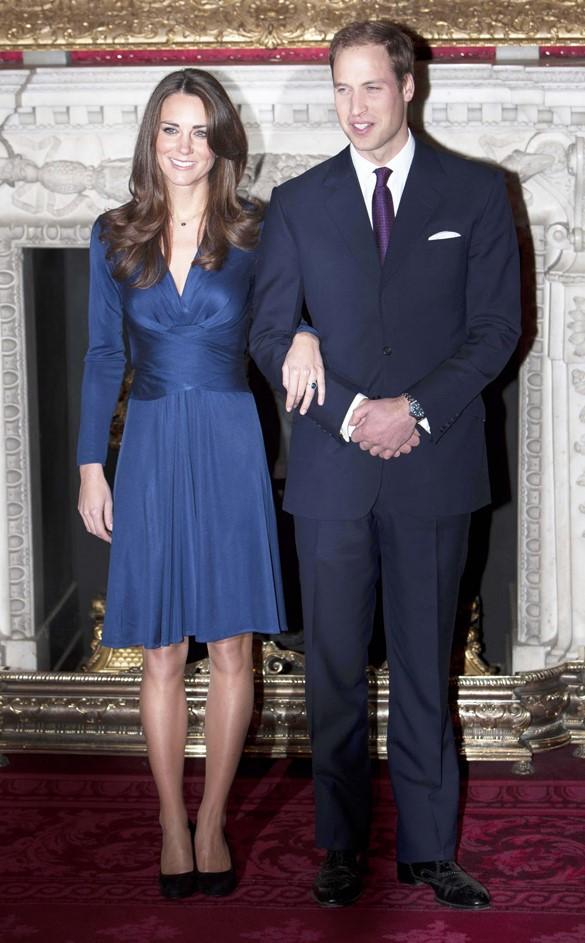 Kate com vestido da brasileira/londrina 'Issa', uma de suas marcas favoritas